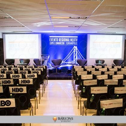 Backdrop Fundo de Palco Para Eventos com Sarrafo e Fechamento em Lona Impressa em Sistema Digital de Alta Resolução