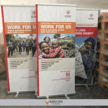 Banner Roll Up em Lona para Divulgação de Oportunidades de Trabalho