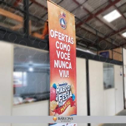 Banner em Lona Grande Formato Impresso em Alta Resolução para Evento Promocional