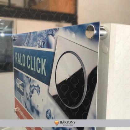 Display em MDF de Chão com Testeira Personalizada e Espaçadores Cromados