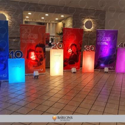 Totem em Acrílico com Iluminação em LED