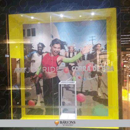 .Vitrine para Campanha em Loja de Shopping