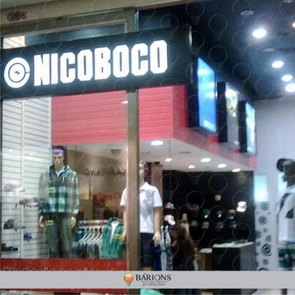 Backlight em Formato Especial para Vitrine de Loja de Shopping