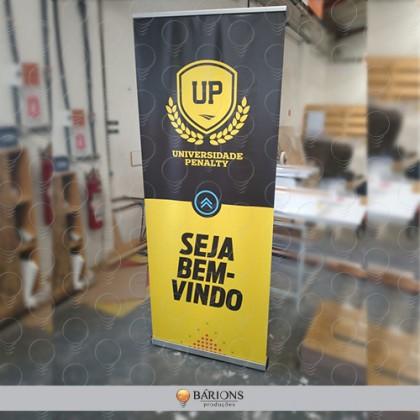 Banner Roll Up em Lona Fosca com Estrutura em Alumínio