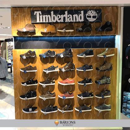 Showroom Timberland com Painel Amadeirado e Iluminação de LED