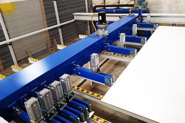 Foto de um dos equipamentos que compoe o centro de usinagem da Bárions Produções