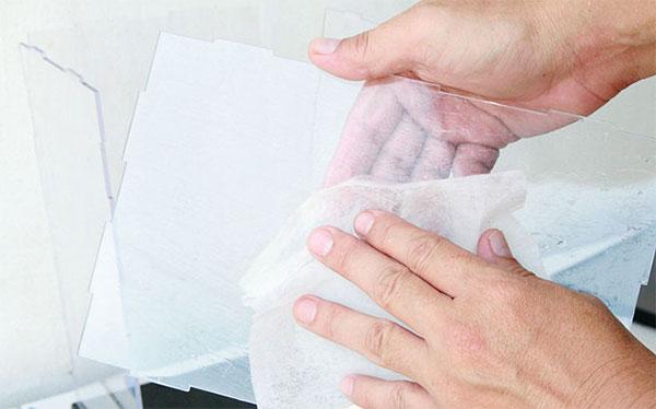 Como limpar peças em acrílico | Bárions Produções